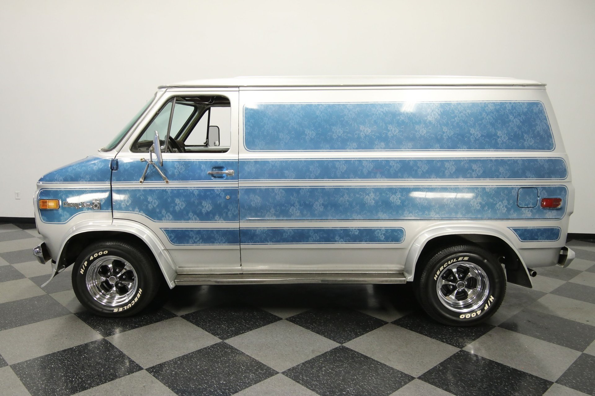 1977-chevrolet-g20-shorty-van-qddj2-z