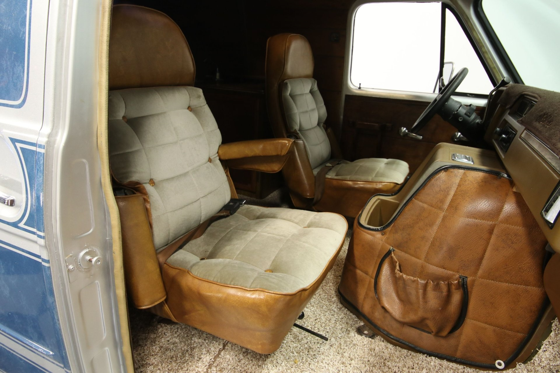 1977-chevrolet-g20-shorty-van-rddj16