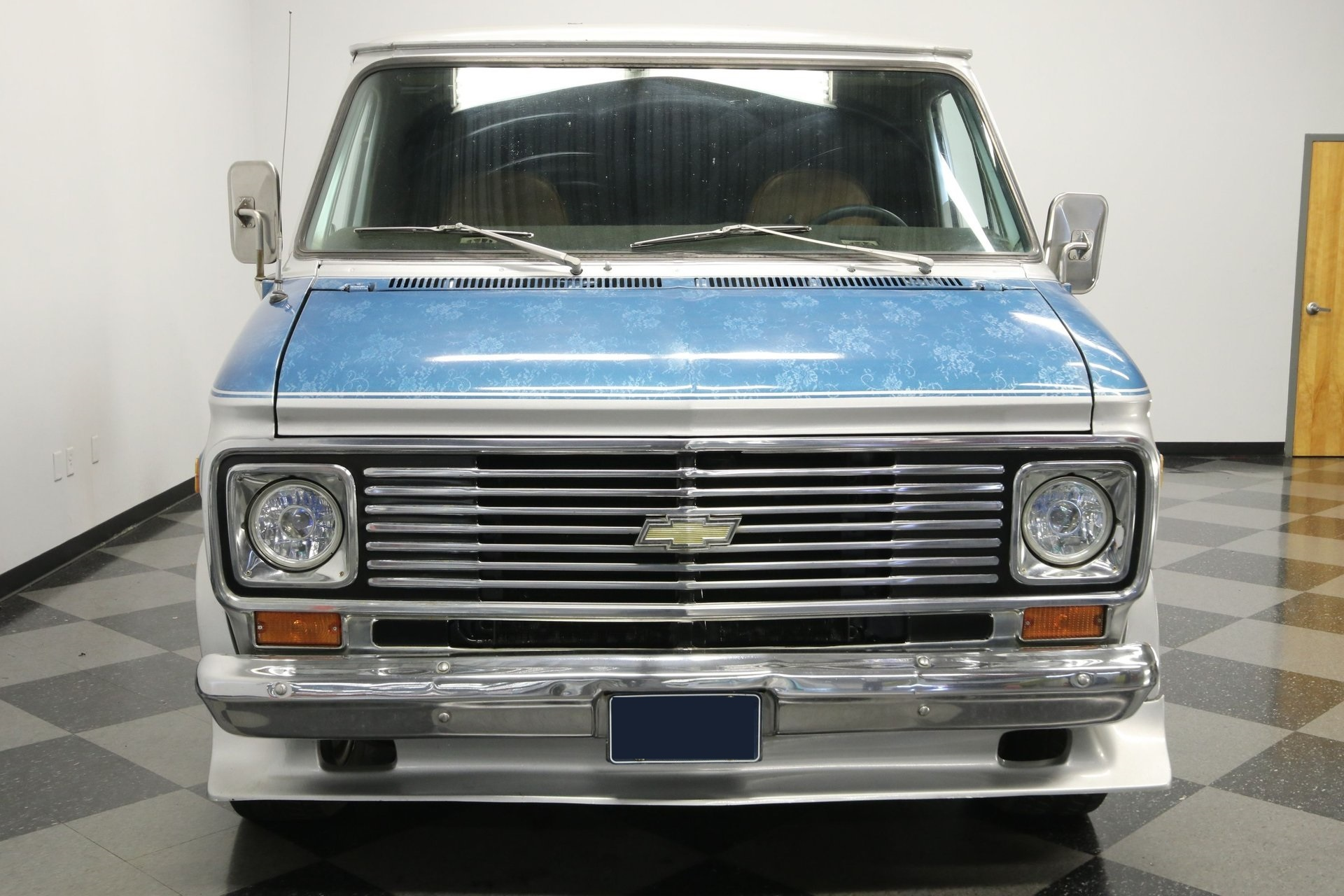 1977-chevrolet-g20-shorty-van-rddj3