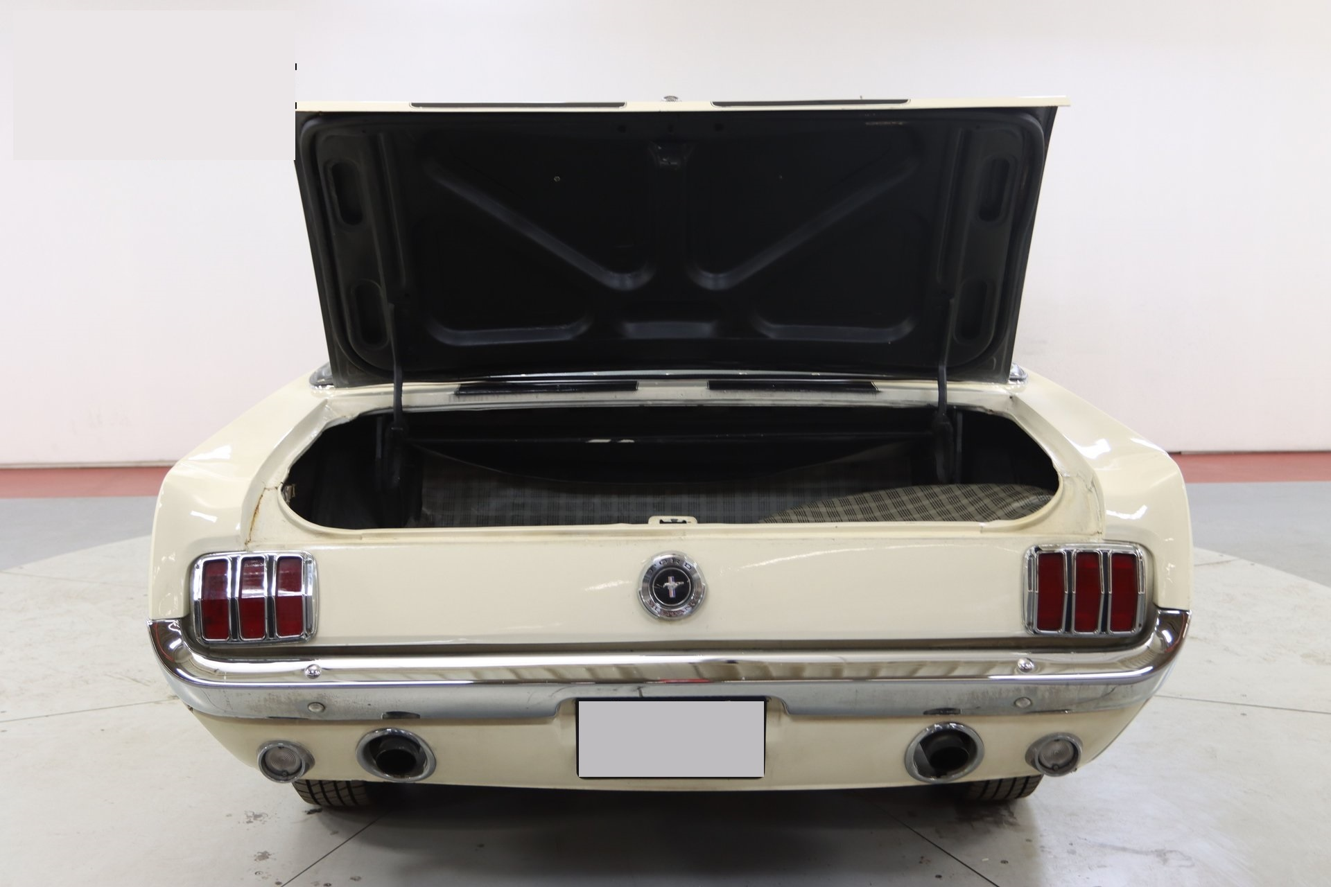 1965-ford-mustang-cabriolet-aeje11