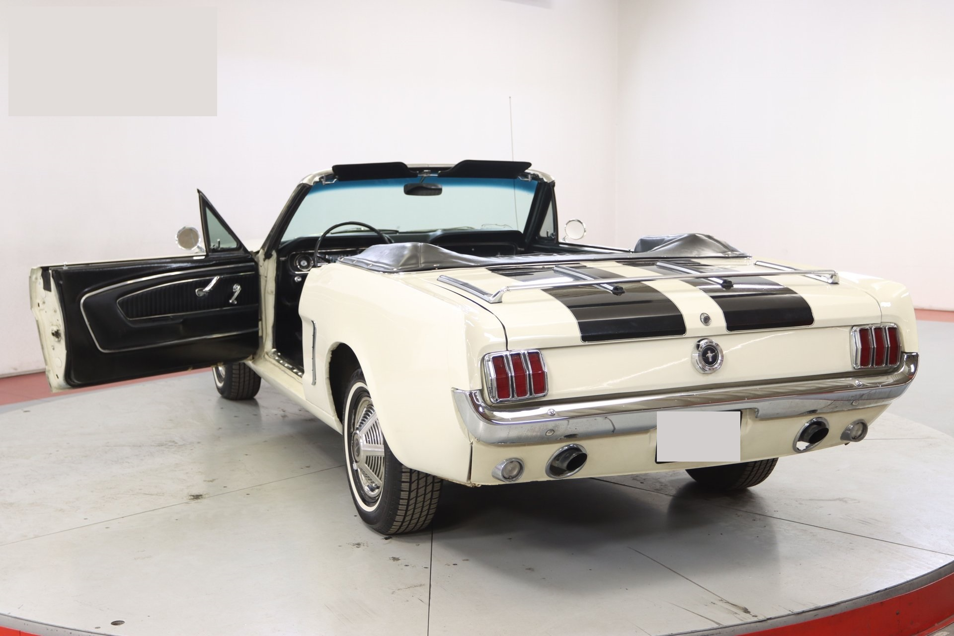 1965-ford-mustang-cabriolet-aeje13