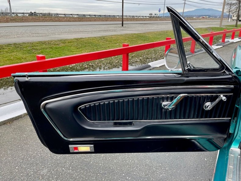 1966-ford-mustang-cabriolet-akd12