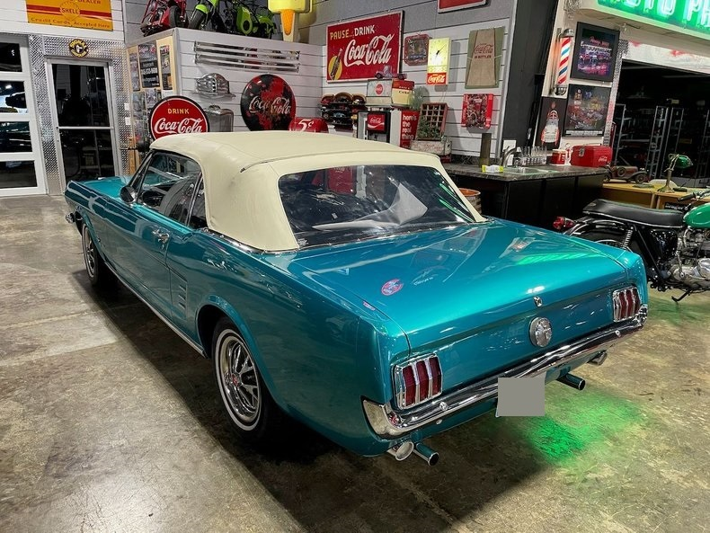 1966-ford-mustang-cabriolet-akd2