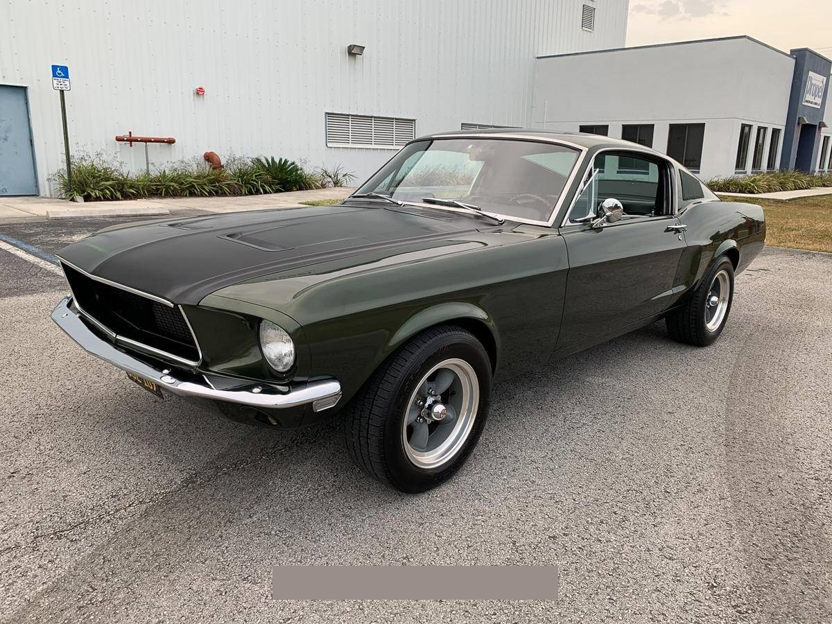 1968-Ford-Mustang-Fastback-andhj1