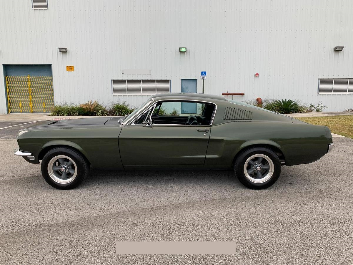 1968-Ford-Mustang-Fastback-andhj2