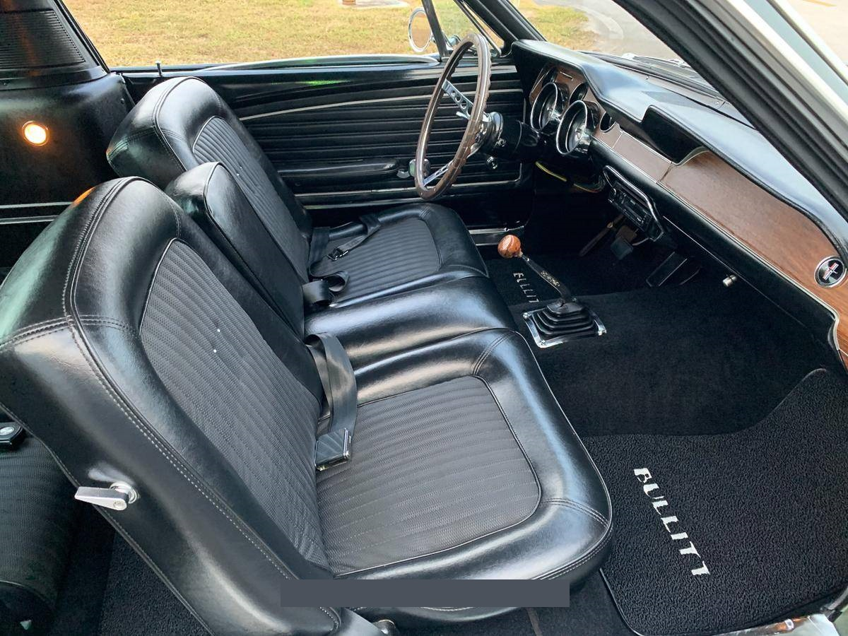 1968-Ford-Mustang-Fastback-andhj4