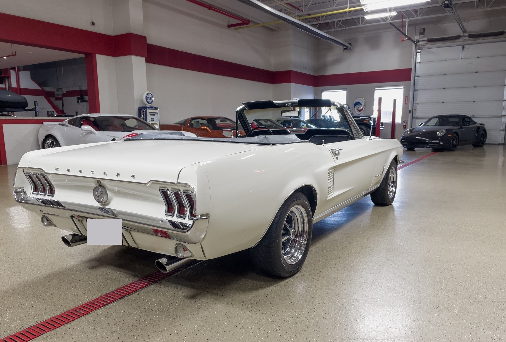 Ford-Mustang-cabriolet-1967-a26
